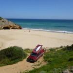 VW Bus für den Urlaub mieten - Urlaub mit dem VW Bus am Strand in Furnas - Portugal